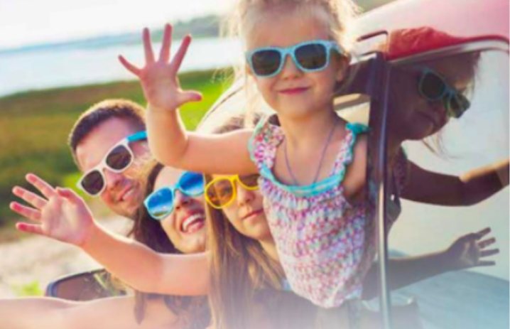 Hurrá, nyaral a család!